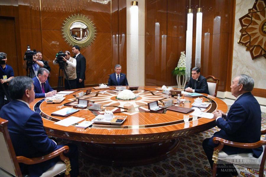 Начался саммит глав государств-учредителей Международного фонда спасения Арала